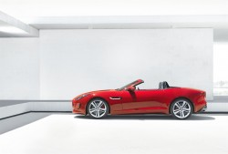 jag_f-type_house_v8_image_2_260912_LowRes