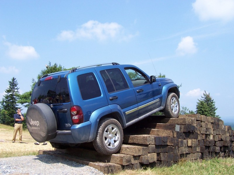 Jeep Liberty and Grand Cheorkee Under Recall general news