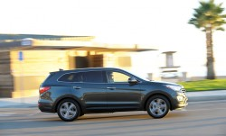 Hyundai Unveils Long Wheelbase Santa Fe XL general news auto shows 2013 autoshows 2012 la autoshow