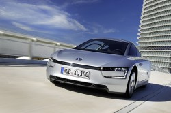 Volkswagen XL1 shows you what 1 L/100 km looks like general news