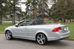 Volvo Canada Announces Special Edition C70 auto news general news