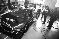 Peugeot 208 T16 Engineers - Lifestyle
