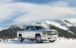 2014-Chevrolet-SilveradoHighCtry-043