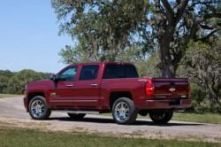 2014-Chevrolet-SilveradoHighCtry-052