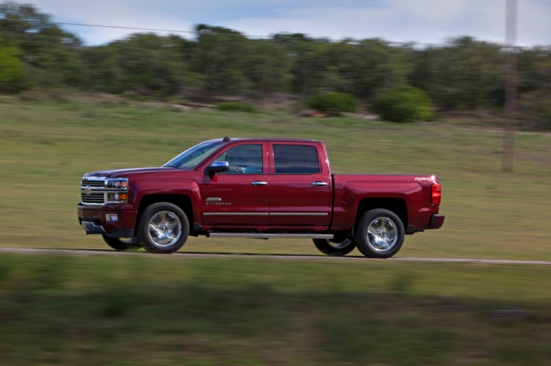 Redesigned GM Trucks To Arrive Early, Wear Aluminum Body Panels general news auto news