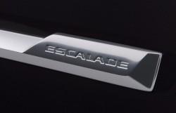 2015-Cadillac-Escalade-002