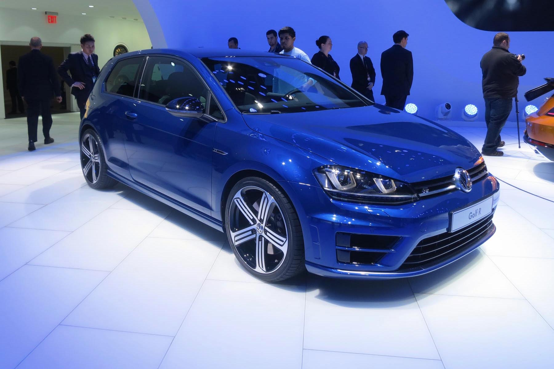 preview 2015 volkswagen golf r. Black Bedroom Furniture Sets. Home Design Ideas