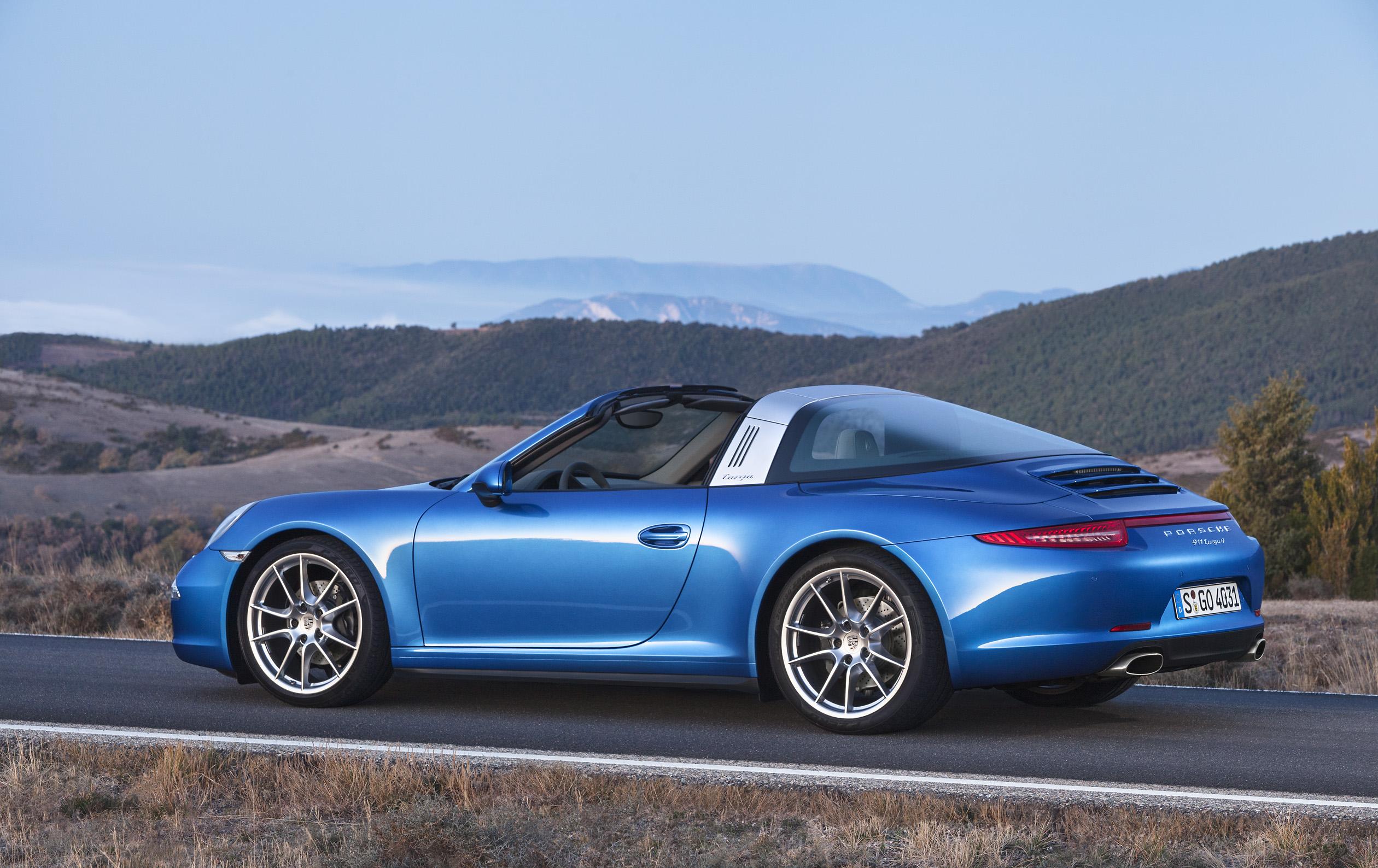 Model NAIAS Porsche Drops Top Raises Roof Hoop On New 991 Targa 4  Autosca