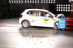 VW_Polo_x2_airbags