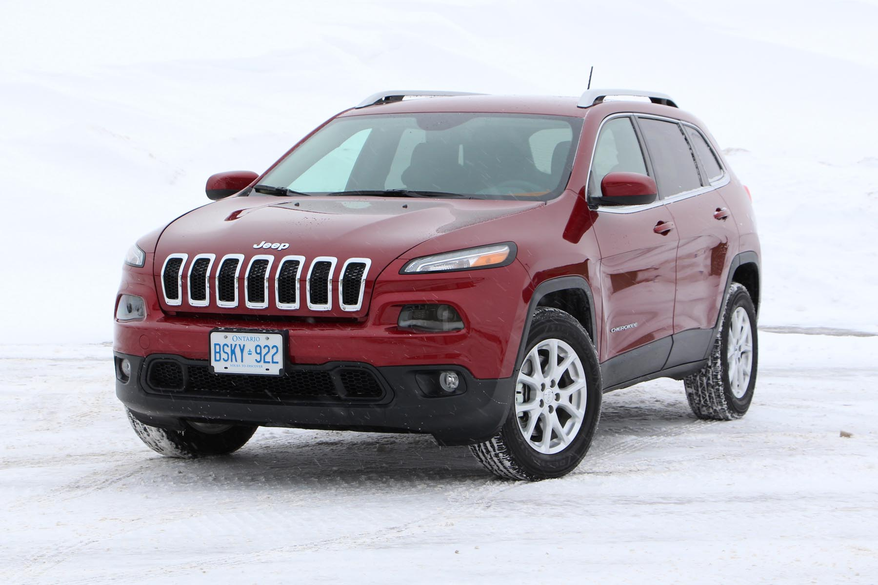 test drive 2014 jeep cherokee north 4x4 v6 page 3 of 3. Black Bedroom Furniture Sets. Home Design Ideas
