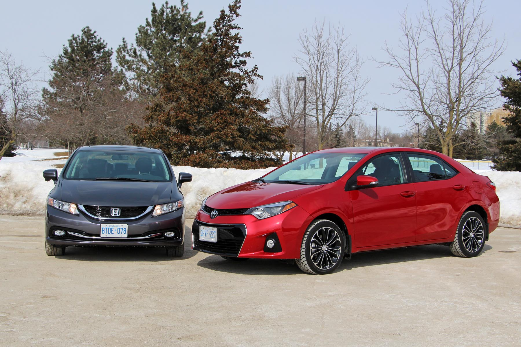 2014 honda civic vs 2014 toyota corolla for Honda civic vs toyota corolla 2017