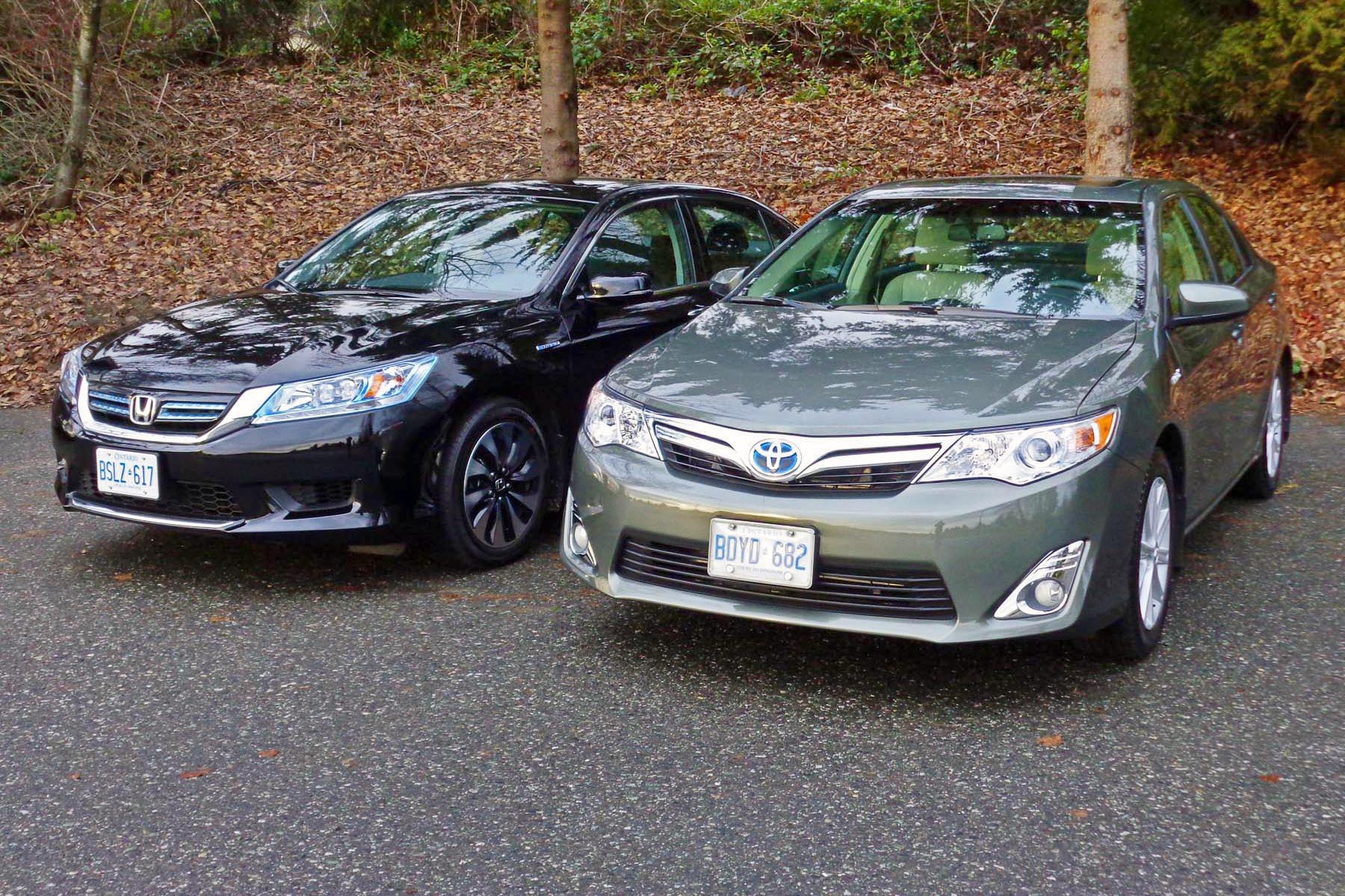 2013 honda accord vs 2012 toyota camry comparison test. Black Bedroom Furniture Sets. Home Design Ideas