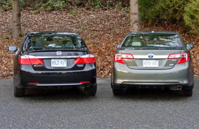 Toyota Camry Vs Honda Accord >> Comparison Test 2014 Honda Accord Hybrid Vs 2014 Toyota