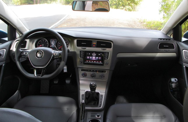 first drive 2015 volkswagen golf 1 8tsi and 2 0tdi clean. Black Bedroom Furniture Sets. Home Design Ideas
