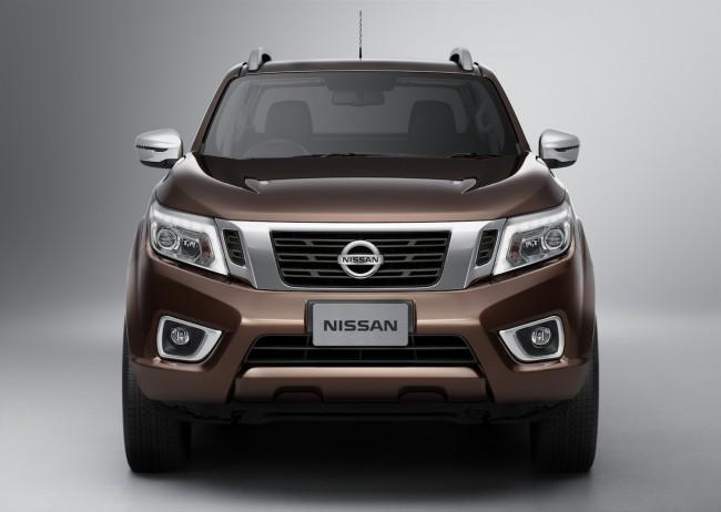 Nissan_NP300_NAVARA_12