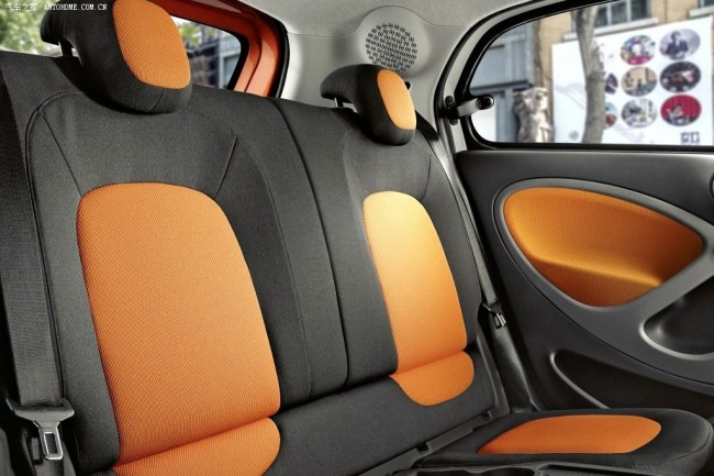 2015-Smart-ForTwo-ForFour_9