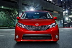 Toyota Reveals Facelifted 2015 Sienna Minivan general news auto news