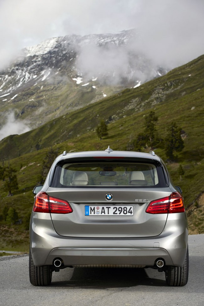 BMW 2 Series Active Tourer Is a MINI Van With A Roundel general news auto news