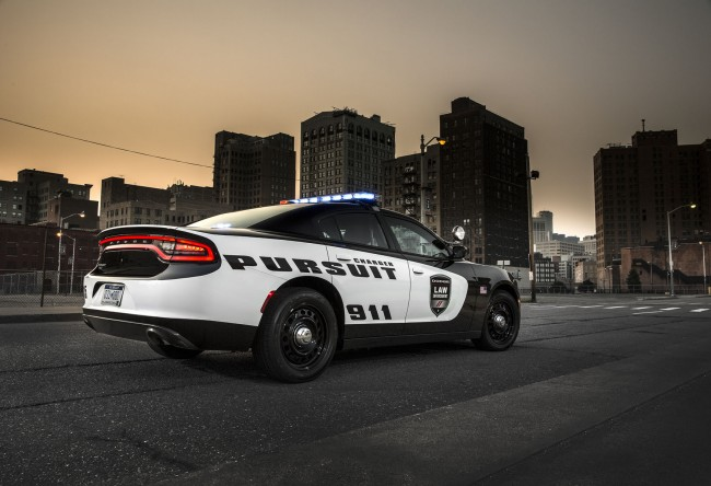 2015 Dodge Charger Pursuit Will Make You Blue With Envy general news auto news