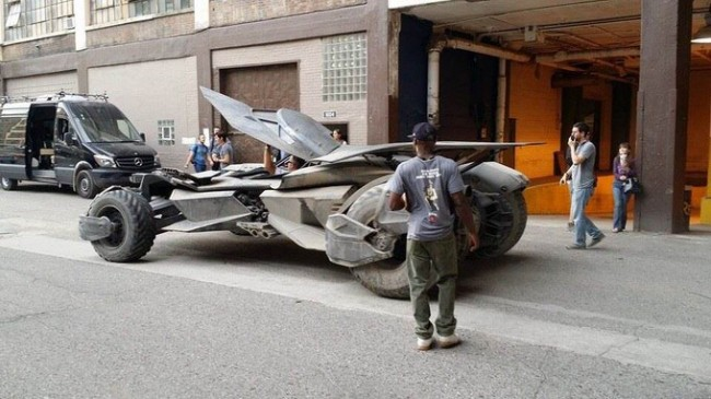 newbatmobile4_large