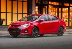 2015_Toyota_Corolla-3