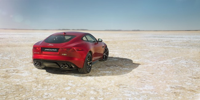 Jag_FTYPE_AWD_Bloodbound_Image_061114_02_(98318)