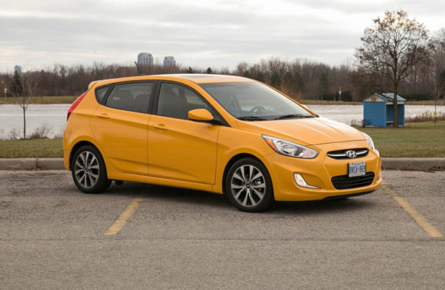 2012 Hyundai Accent Gs Mpg >> Used Vehicle Review Hyundai Accent 2012 2015 Autos Ca