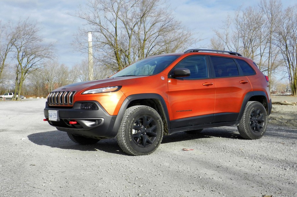 2015 jeep cherokee trailhawk release date price and specs. Black Bedroom Furniture Sets. Home Design Ideas