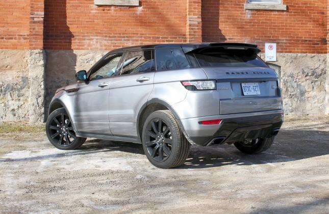 test drive 2015 land rover range rover evoque dynamic. Black Bedroom Furniture Sets. Home Design Ideas