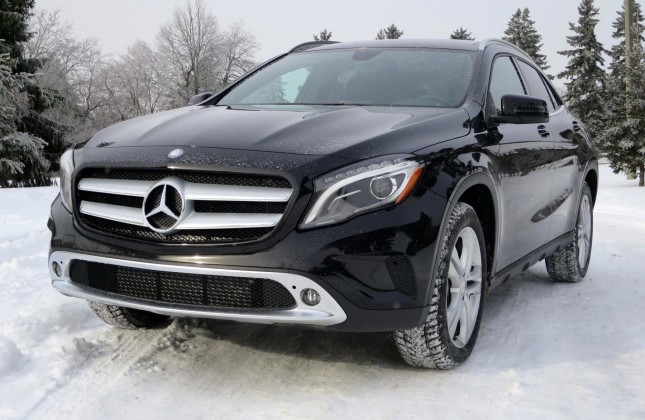 test drive 2015 mercedes benz gla 250 4matic. Black Bedroom Furniture Sets. Home Design Ideas