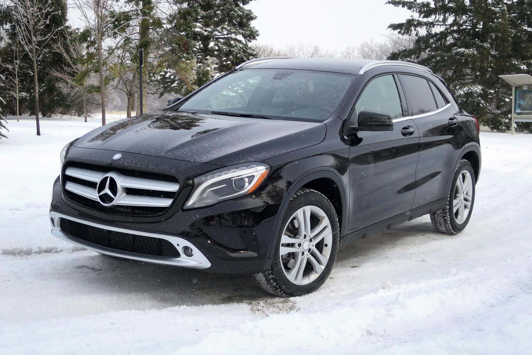 2015 mercedes benz gla 250 4matic. Black Bedroom Furniture Sets. Home Design Ideas