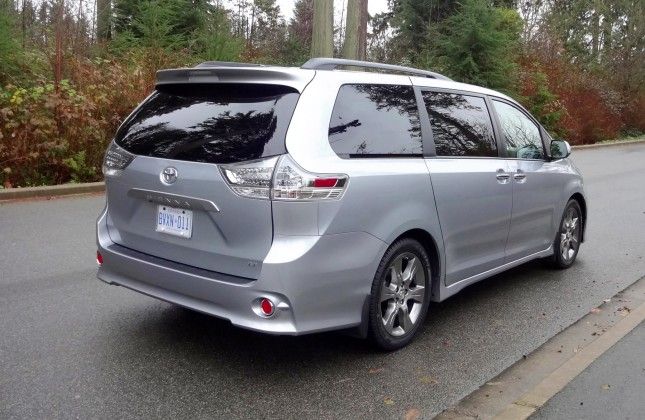 test drive 2015 toyota sienna se. Black Bedroom Furniture Sets. Home Design Ideas