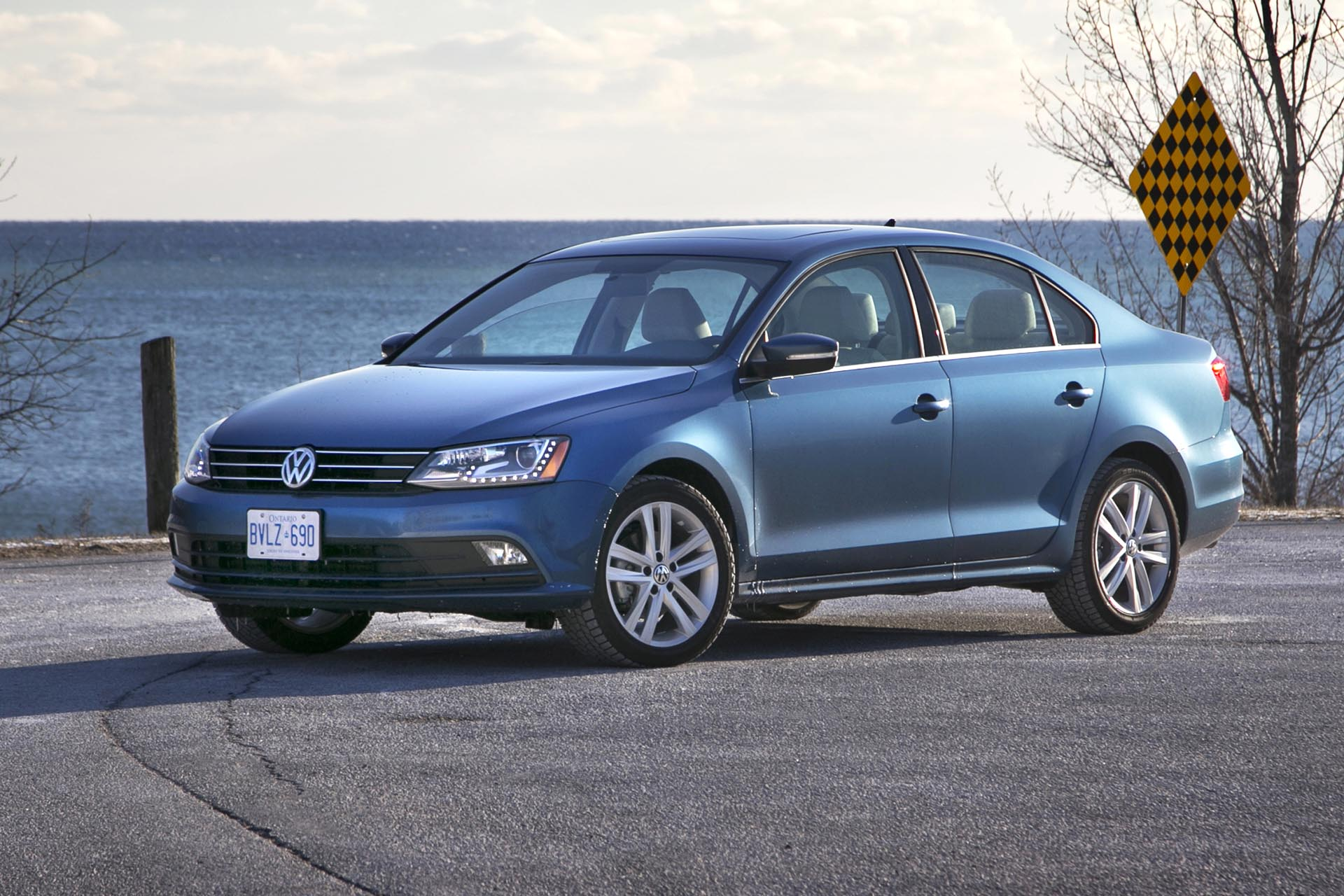 2015 volkswagen jetta highline tsi. Black Bedroom Furniture Sets. Home Design Ideas