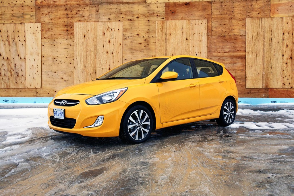 used vehicle review hyundai accent 2012 2015 page 2 of 2 page 2. Black Bedroom Furniture Sets. Home Design Ideas