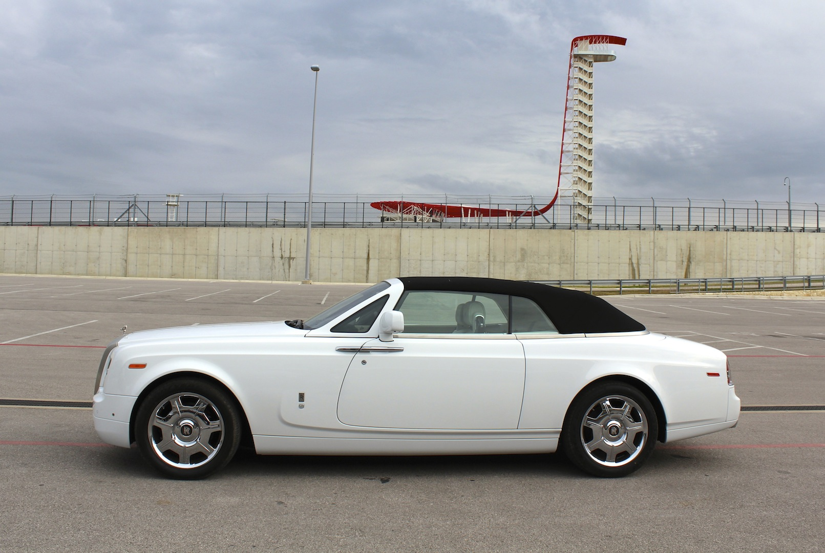 junkyard visit 2015 rolls royce phantom drophead coupe. Black Bedroom Furniture Sets. Home Design Ideas