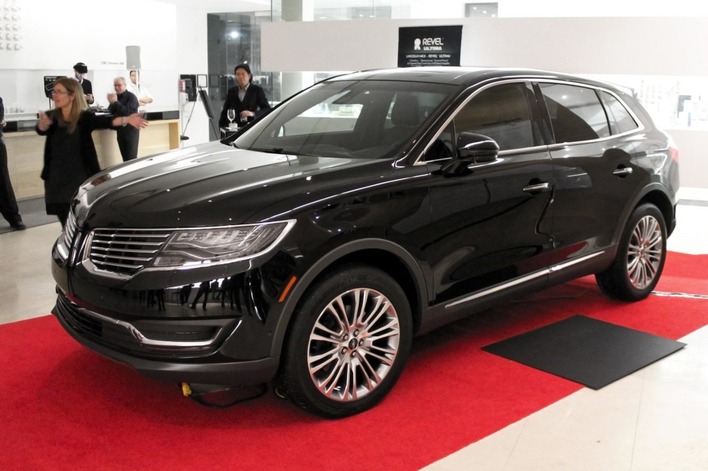 2016 Ford Edge vs 2016 Lincoln MKX Whats the Difference