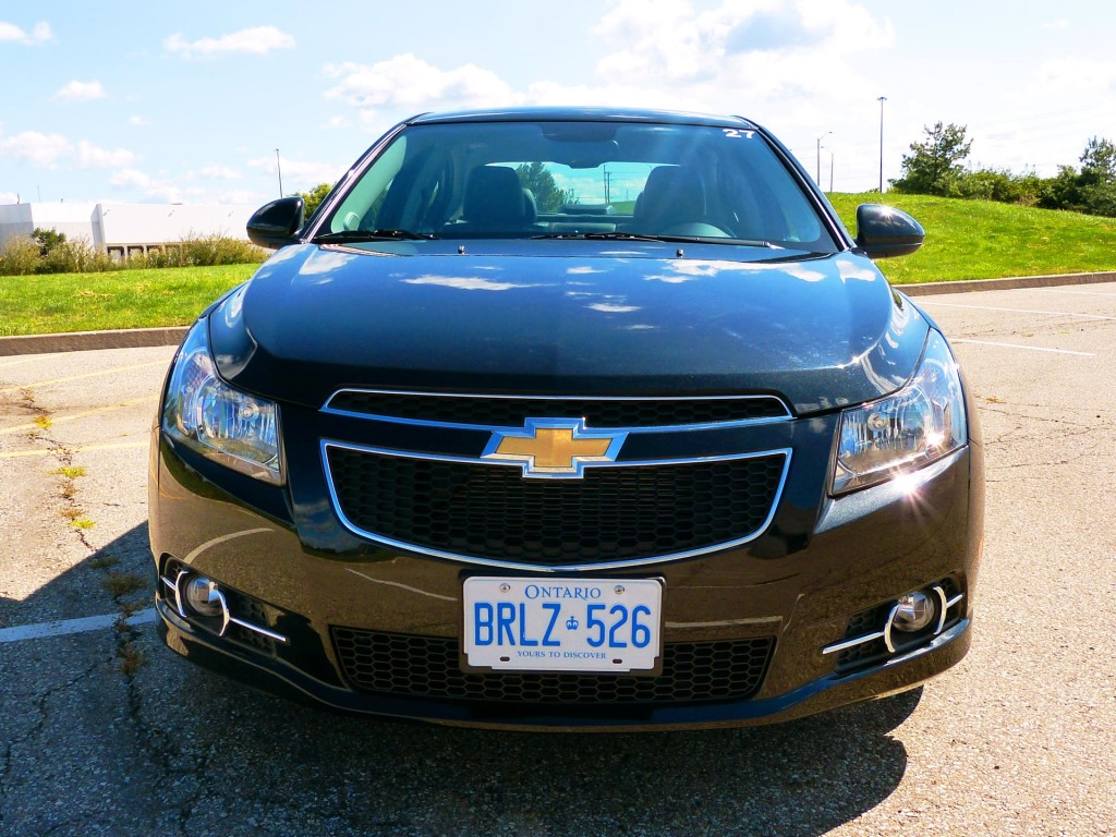 used vehicle review chevrolet cruze 2011 2014 page 2 of 2 page 2. Black Bedroom Furniture Sets. Home Design Ideas