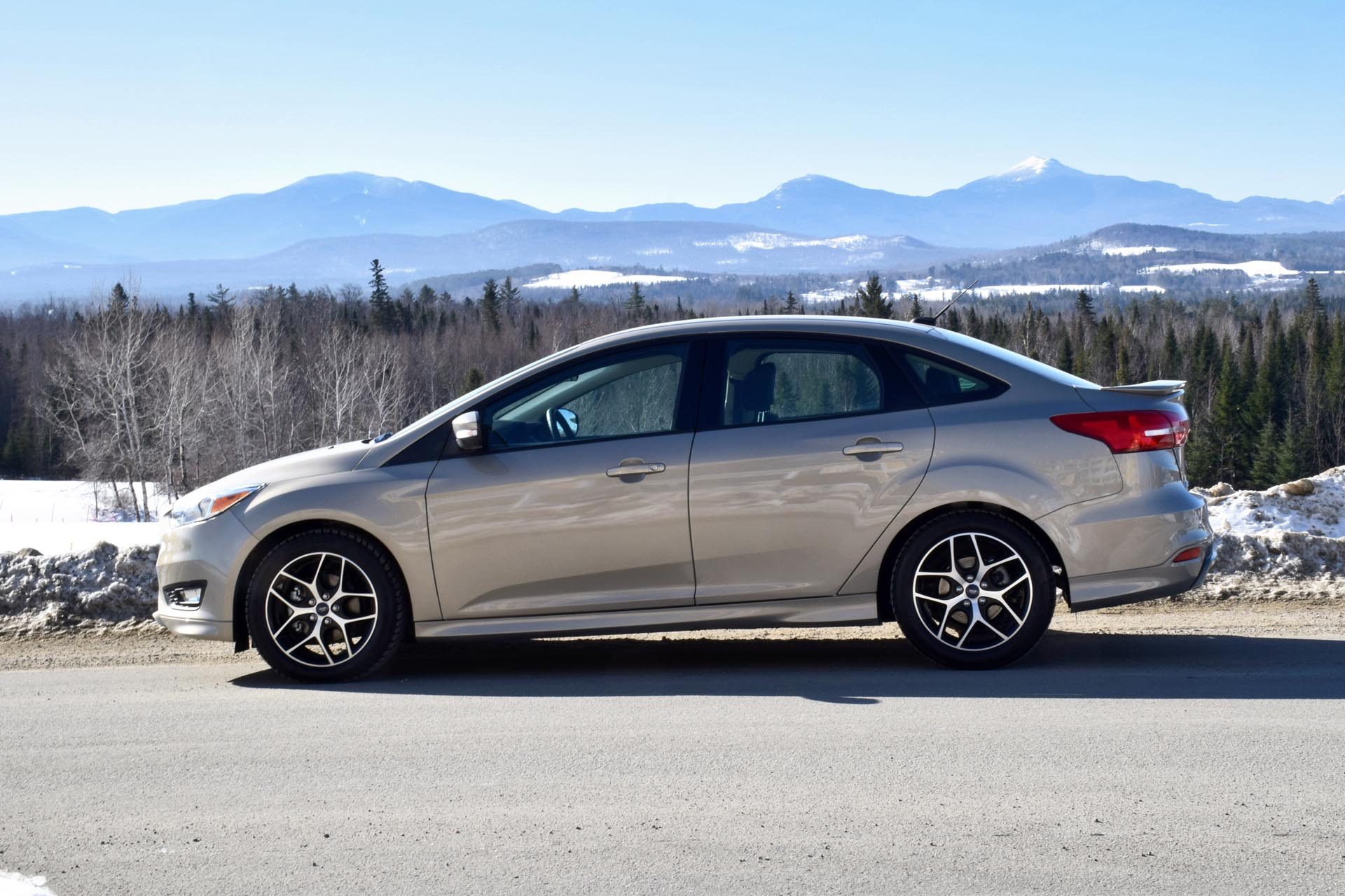 2015 Ford Focus Se Sedan Autos Ca