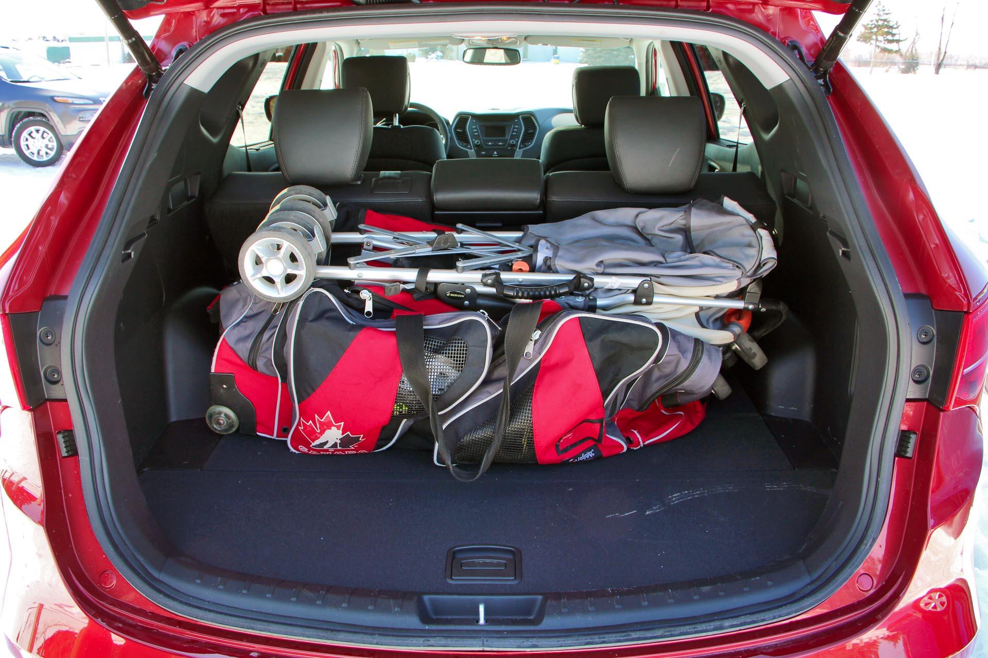 2015 hyundai santa fe sport luxury for Hyundai santa fe sport interior dimensions