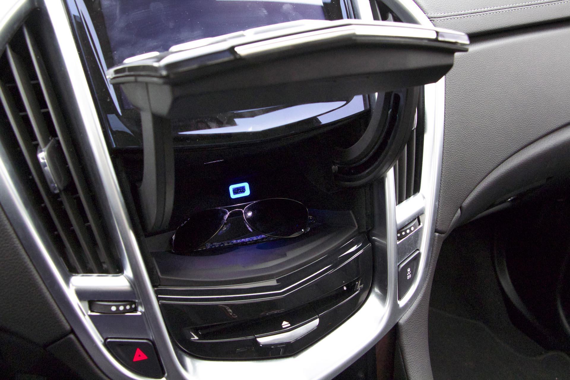 drive cadillac autos luxury awd srx car ca jy attachment drives test