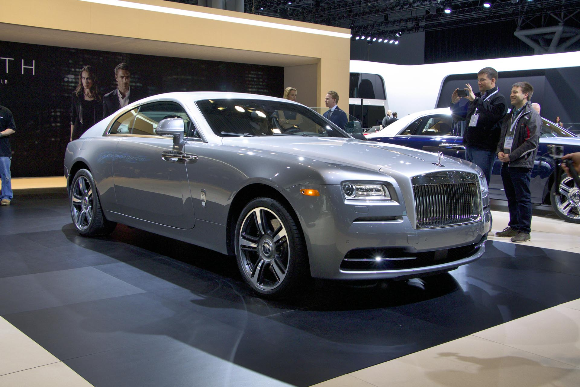 2016 rolls royce wraith inspired by film. Black Bedroom Furniture Sets. Home Design Ideas