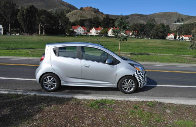 state of charge chevrolet spark ev goes on sale for 2016. Black Bedroom Furniture Sets. Home Design Ideas