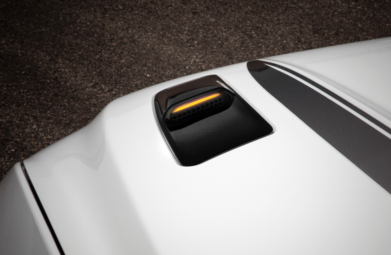 2016 Mustang Gets Hood Vent Turn Signals Racing Stripes