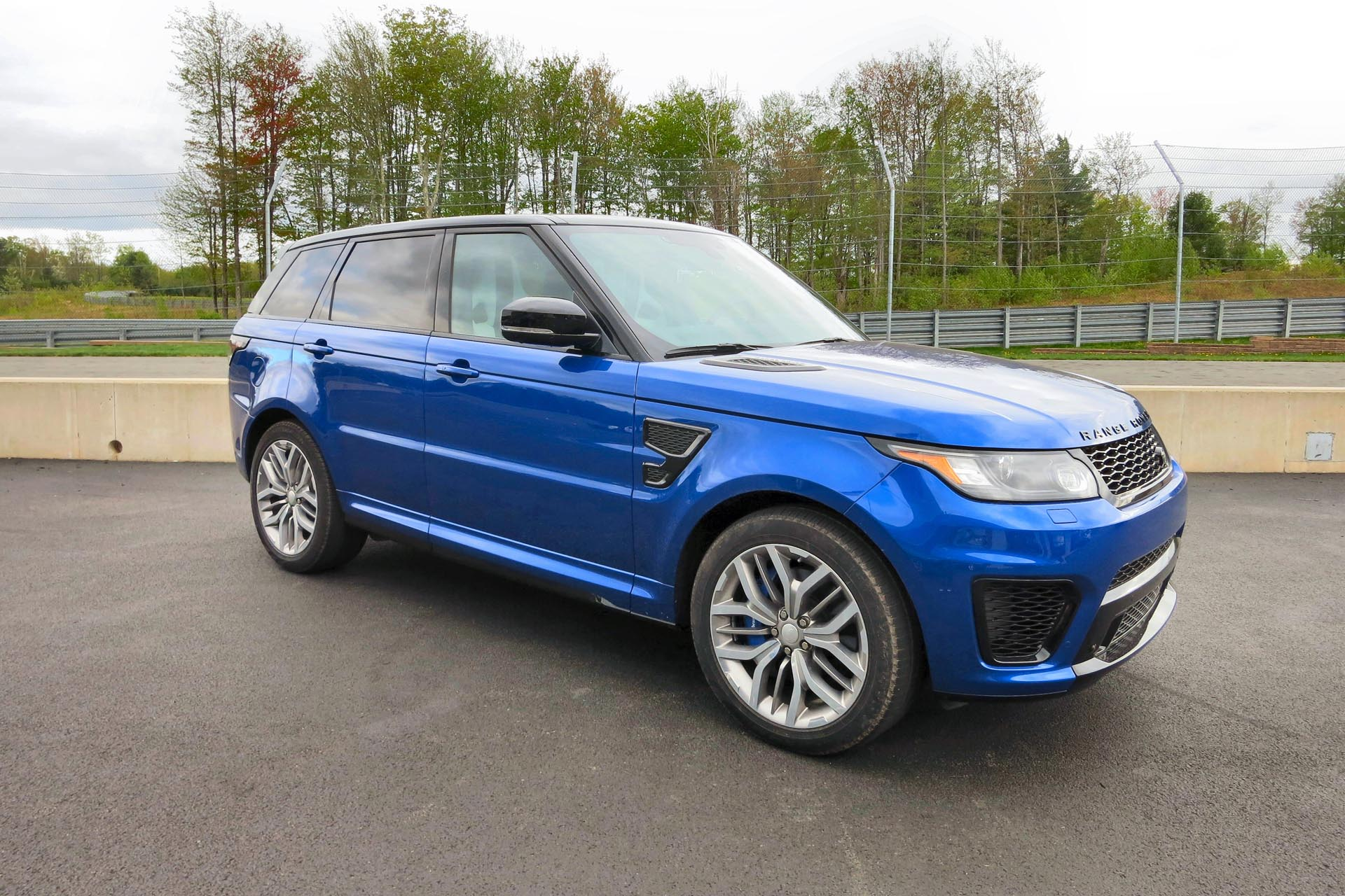 used 2010 land rover range rover sport pricing features. Black Bedroom Furniture Sets. Home Design Ideas