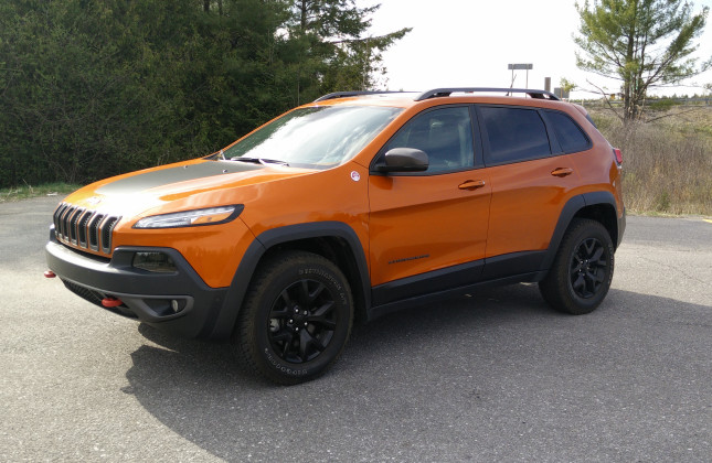 day by day review 2015 jeep cherokee trailhawk. Black Bedroom Furniture Sets. Home Design Ideas
