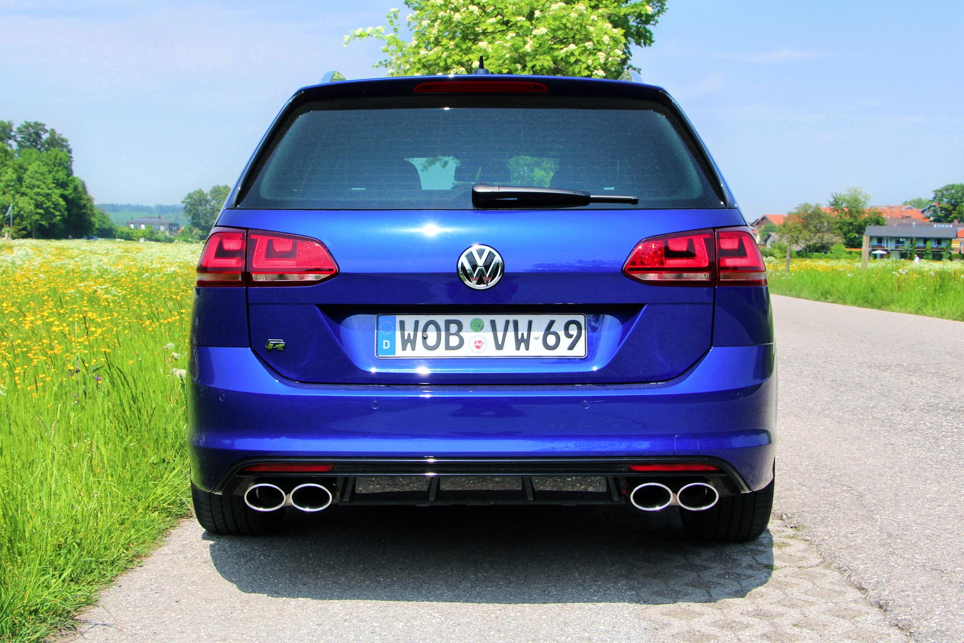 2016 volkswagen golf r variant. Black Bedroom Furniture Sets. Home Design Ideas