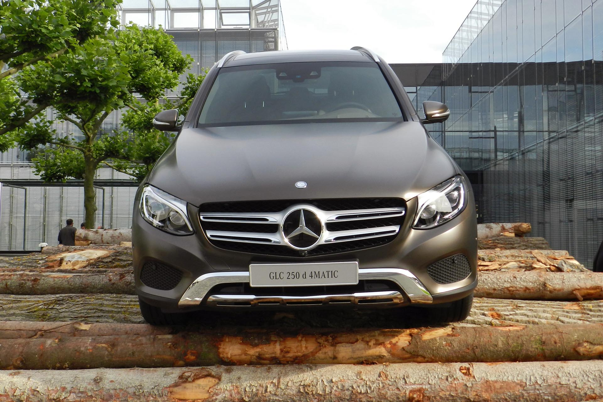 2016 mercedes benz glc 250d 4matic. Black Bedroom Furniture Sets. Home Design Ideas