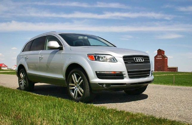 used vehicle review audi q7 2007 2014. Black Bedroom Furniture Sets. Home Design Ideas