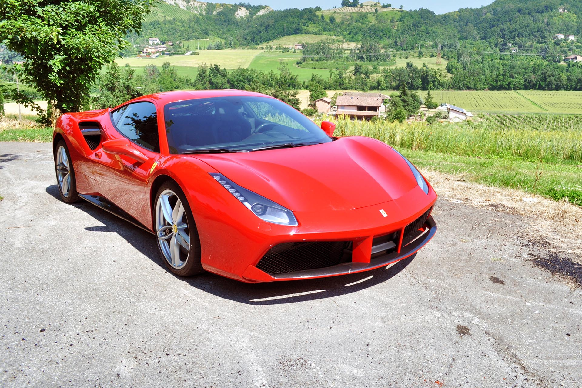 first drive 2016 ferrari 488 gtb. Black Bedroom Furniture Sets. Home Design Ideas