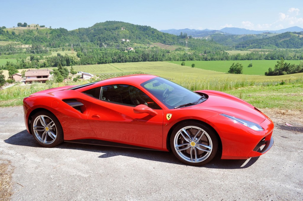 first drive 2016 ferrari 488 gtb page 4 of 4 page 4. Black Bedroom Furniture Sets. Home Design Ideas